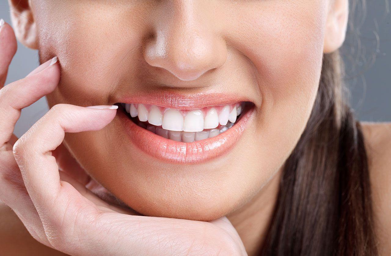 Răng sứ Titan và răng sứ Zirconia được nhiều khách hàng ưa chuộng