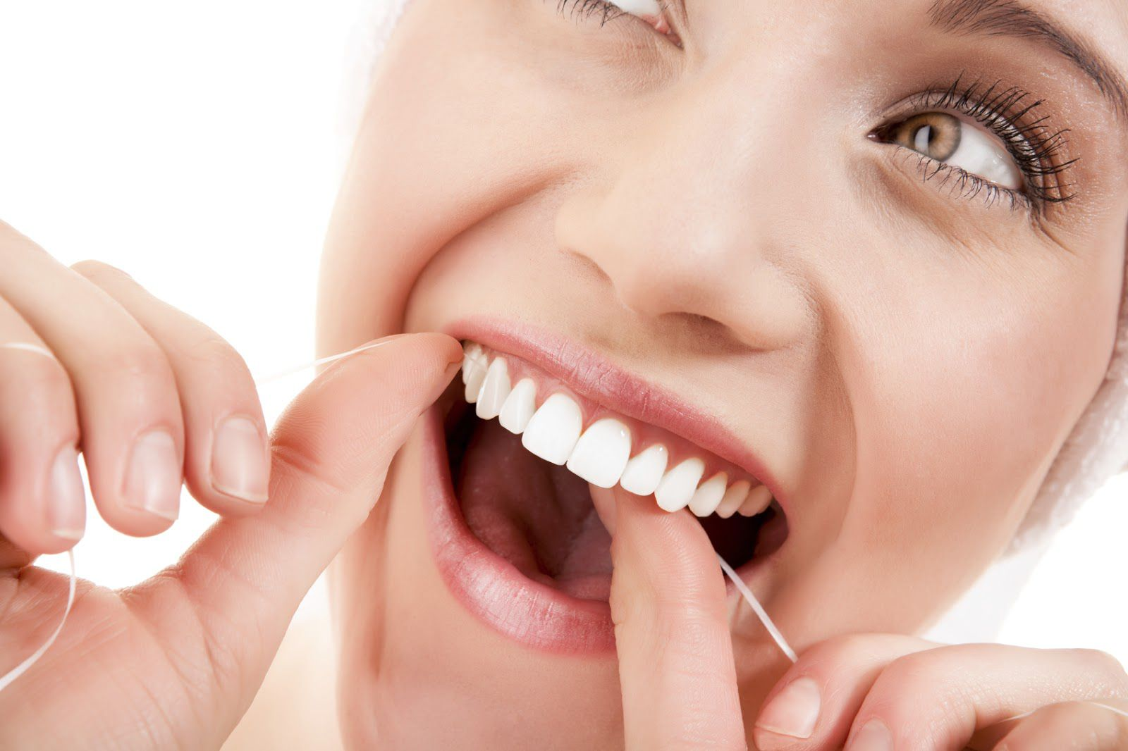 Vệ sinh răng miệng càng tốt thì sứ Zirconia được kéo dài thêm thời gian sử dụng