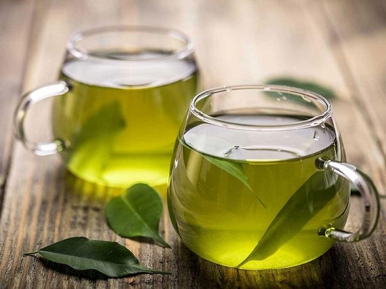 Uống trà xanh chắc khỏe răng nướu