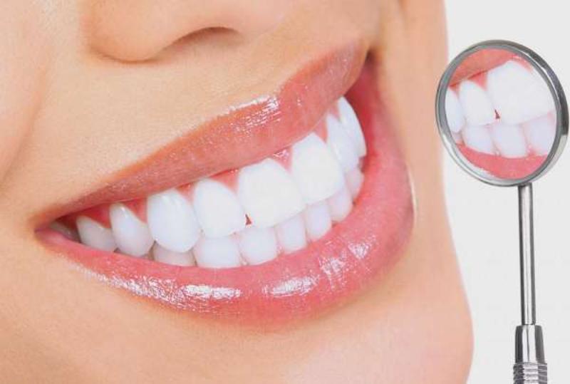 Đối với dòng răng Zirconia thì sẽ được bảo hành tối thiểu là 10 năm