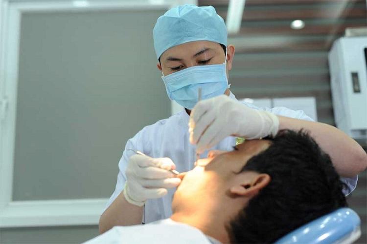 Trồng răng Implant xong phải chú ý nghỉ ngơi không vận động mạnh