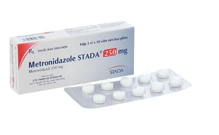 Thuốc Metronidazol Stada trị viêm nha chu