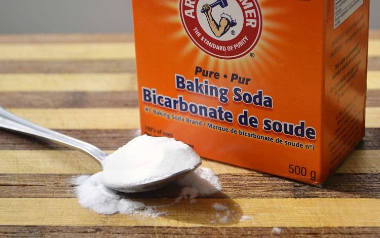 Sử dụng baking soda lấy cao răng