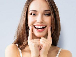 Răng hô nhẹ có thể bọc răng sứ được